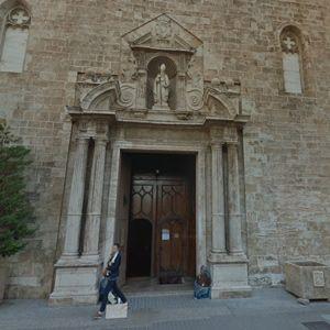 puerta lateral san agustin